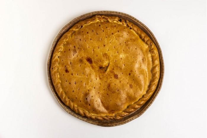 Empanada de Bacalao con pasas